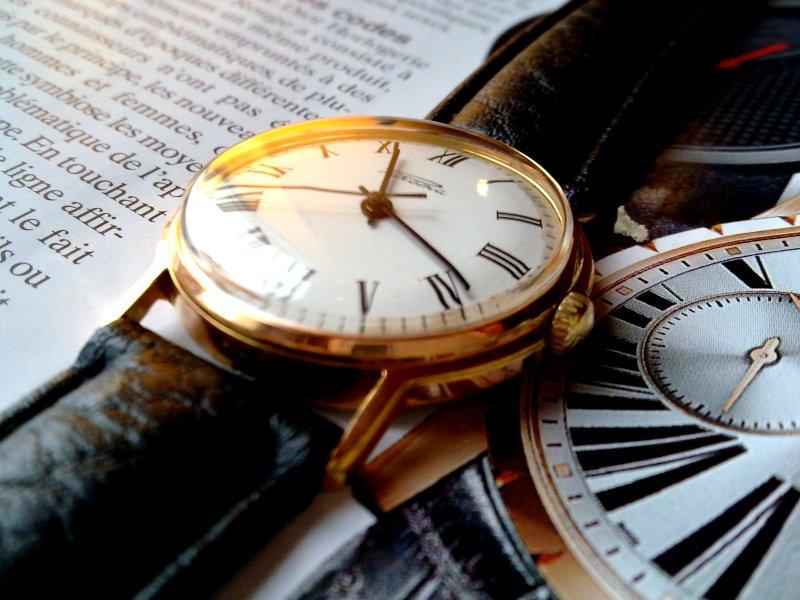 La montre du reveillon!!! 913963d1356364293-wruw-december-2012-2012-raketa-2609b-roman-n-gold-2