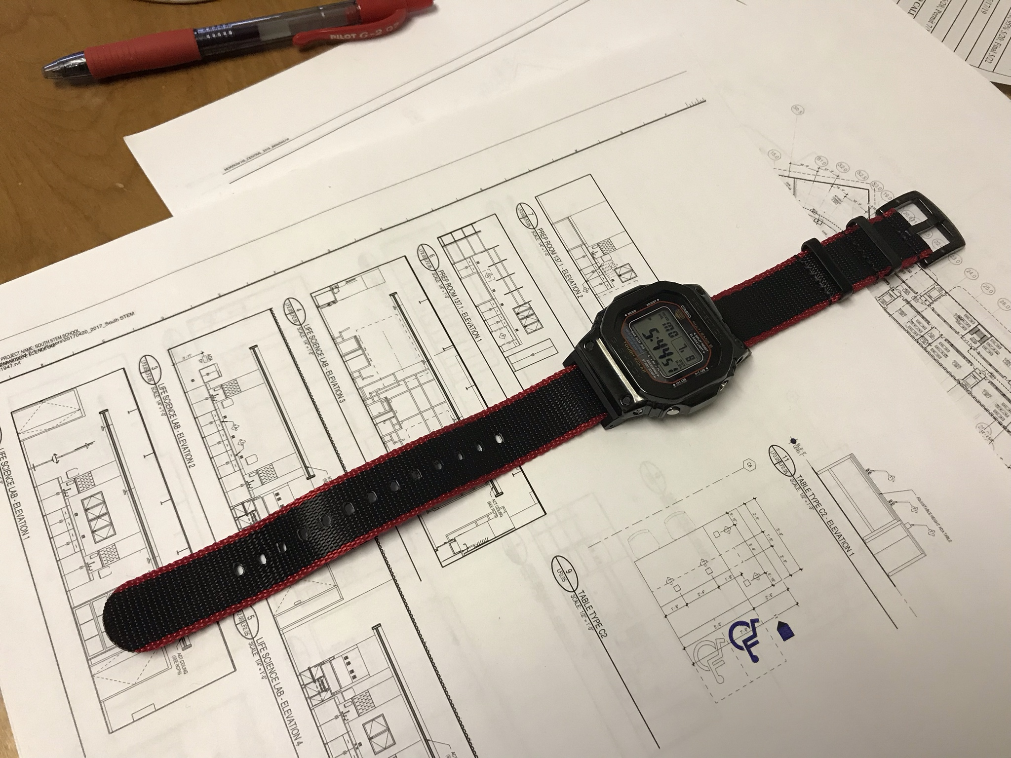 Name:  Red_and_black_Vario-G-Shock.jpg Views: 37 Size:  977.5 KB