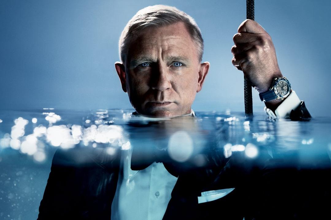"""No Mr. Bond, I Expect You to Dive"": OMEGA Seamaster 300m"