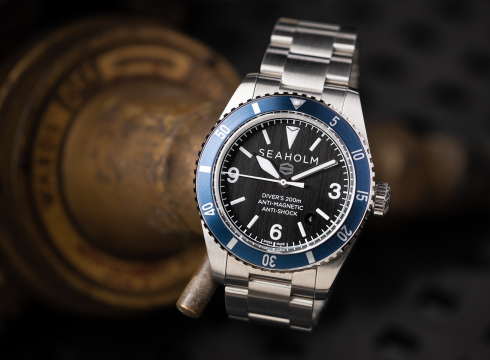 Seaholm watches have been designed not only to look good but to be used all the time, in any environment. Here's ourSeaholm Offshore Diver review.