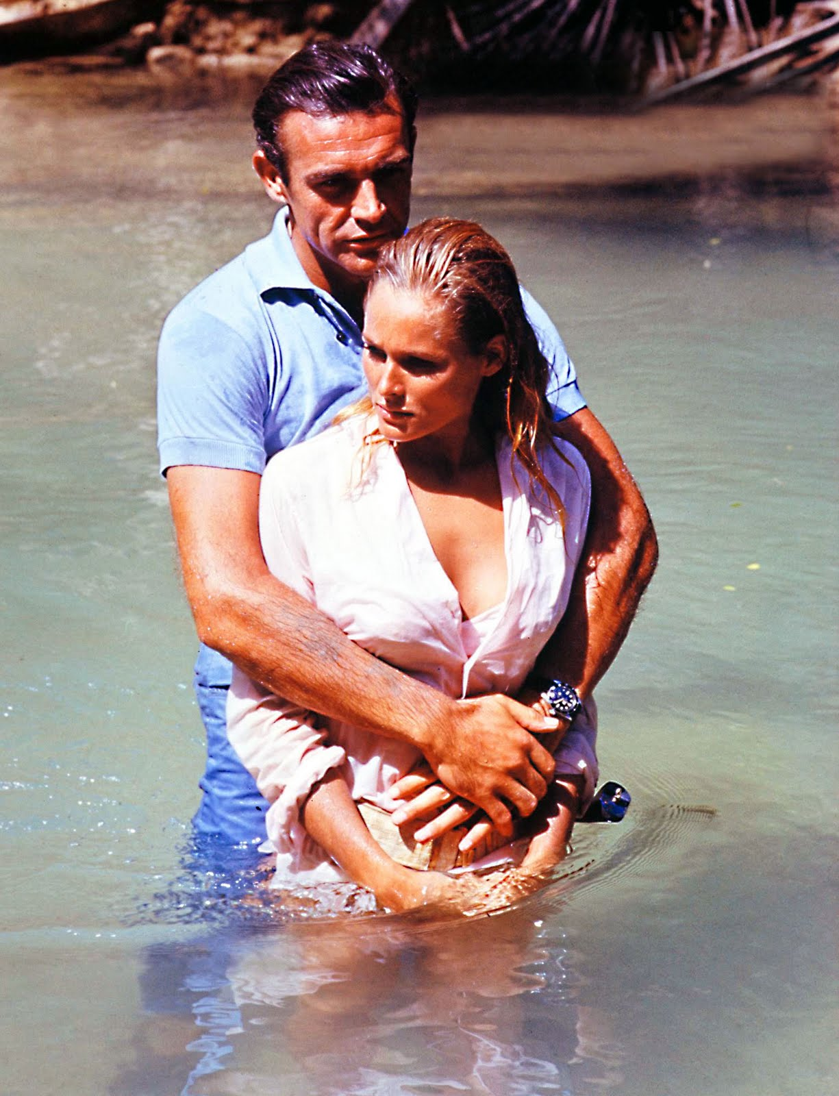 Name:  Sean-Connery-and-Ursula-Andres-Dr-No-Rolex-Submariner-Big-Crown.jpg