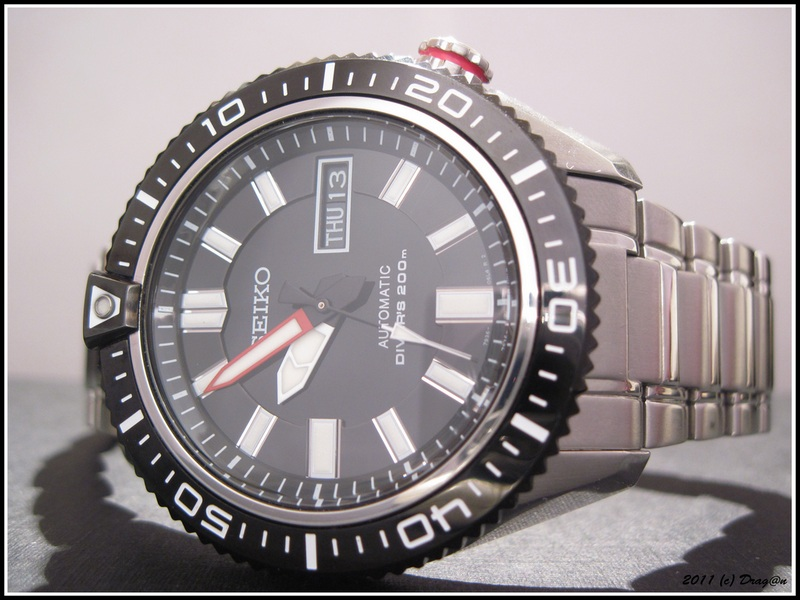 Name:  Seiko-SKZ325-Stargate-2.jpg