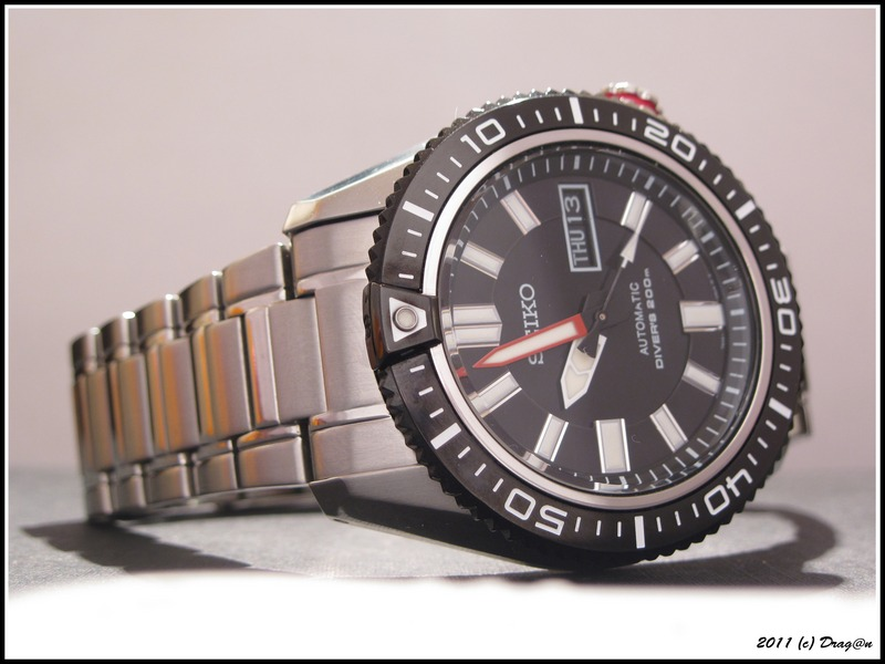 Name:  Seiko-SKZ325-Stargate-3.jpg