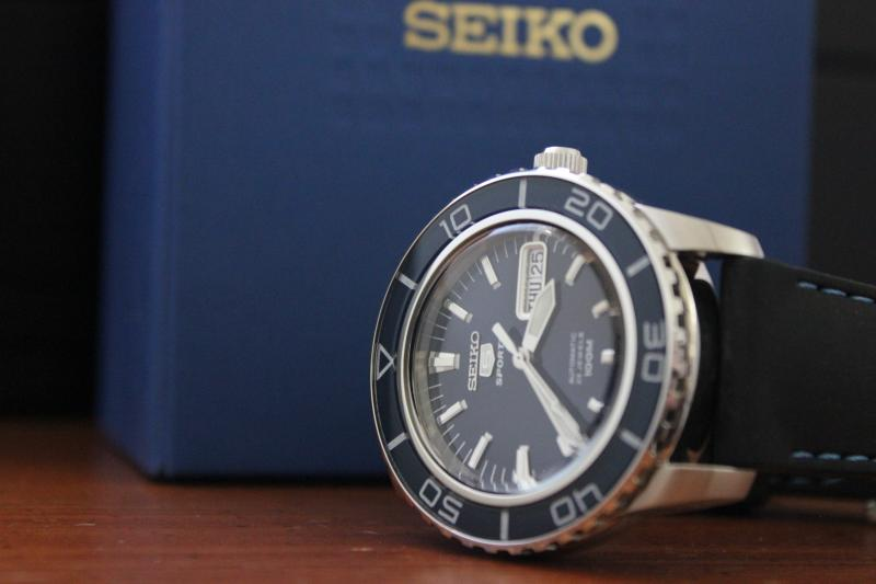 Name:  Seiko SNZH53 on rubber with blue stitching Panatime strap3.jpg Views: 37 Size:  32.1 KB