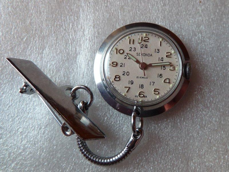 Montre inversée pour infirmière Vuillemin-Regnier (1980) 1164443d1374520810-uk-royal-baby-news-nurses-ready-sekonda-nurse-watch-2