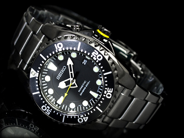 Choix d'une montre, grand cadran, à moins de 400 euros 501527d1314464827-best-dive-watch-between-$100-$200-ska427p1-b