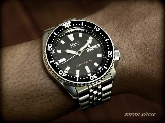 Name:  skx399_on_wrist_resize.jpg Views: 9002 Size:  103.7 KB