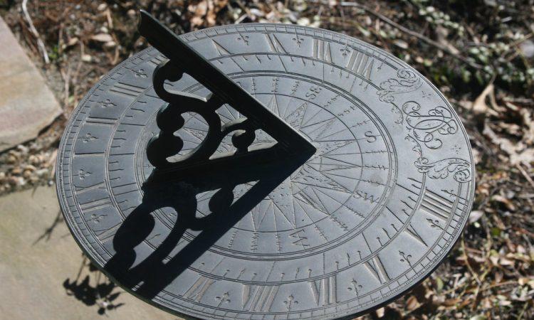 Name:  sundial.jpg Views: 150 Size:  75.8 KB