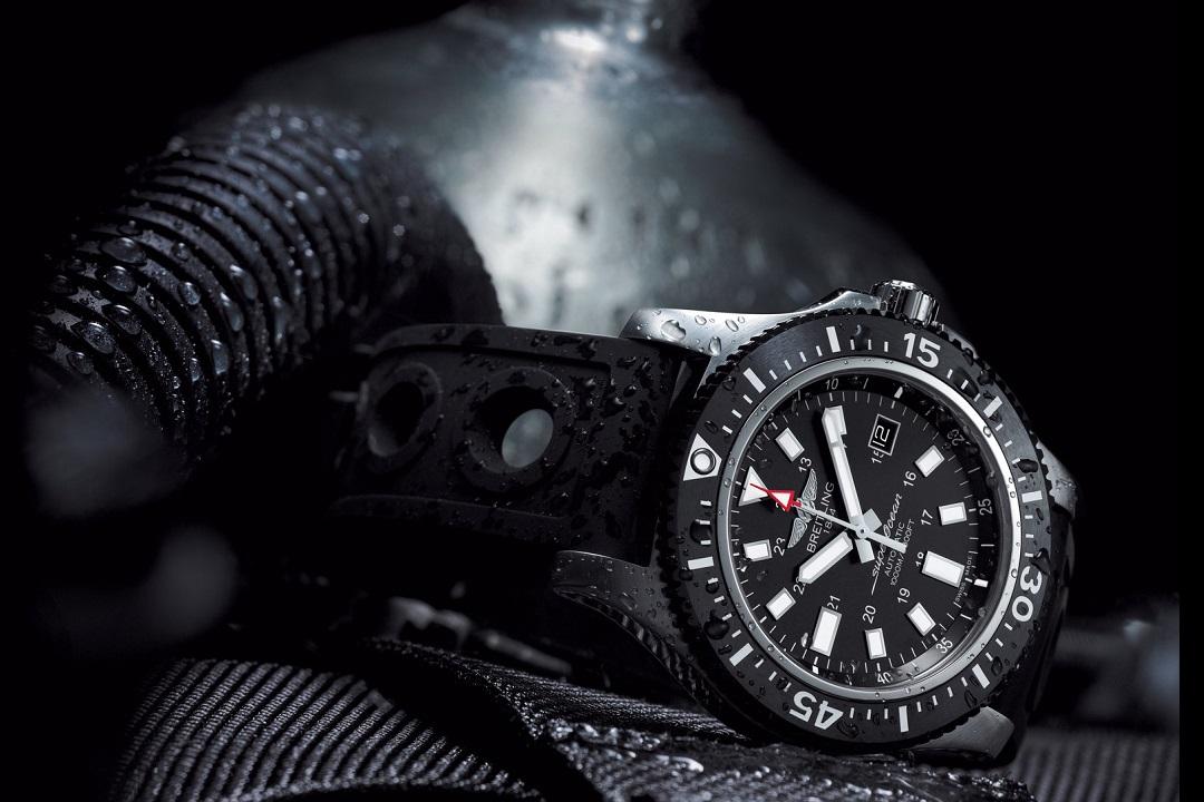 superocean-44-special-black-dial_04