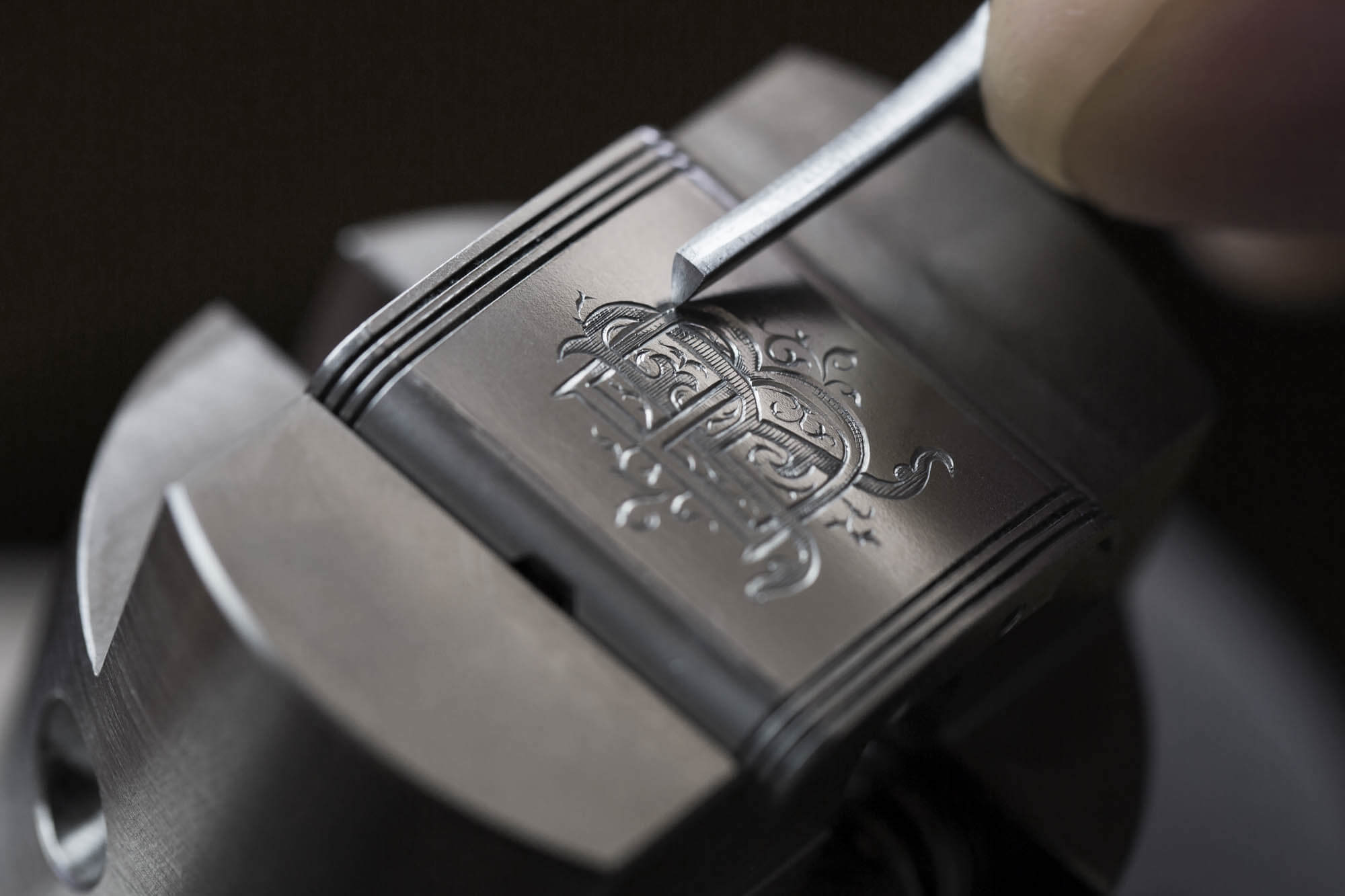 Name:  The-hand-engraving-of-a-Reverso.jpg Views: 47 Size:  105.0 KB