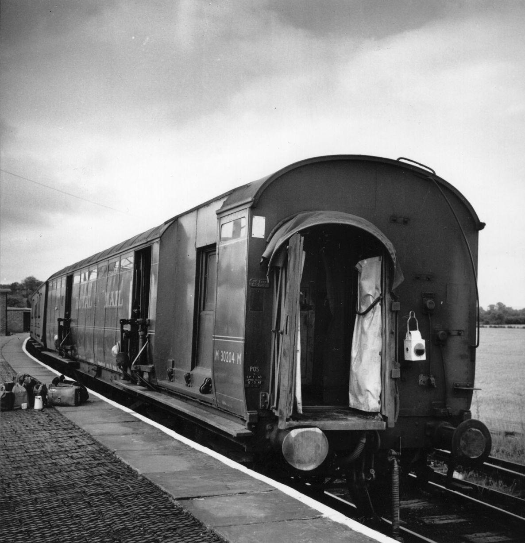 Name:  The mail train.jpg Views: 2717 Size:  170.4 KB