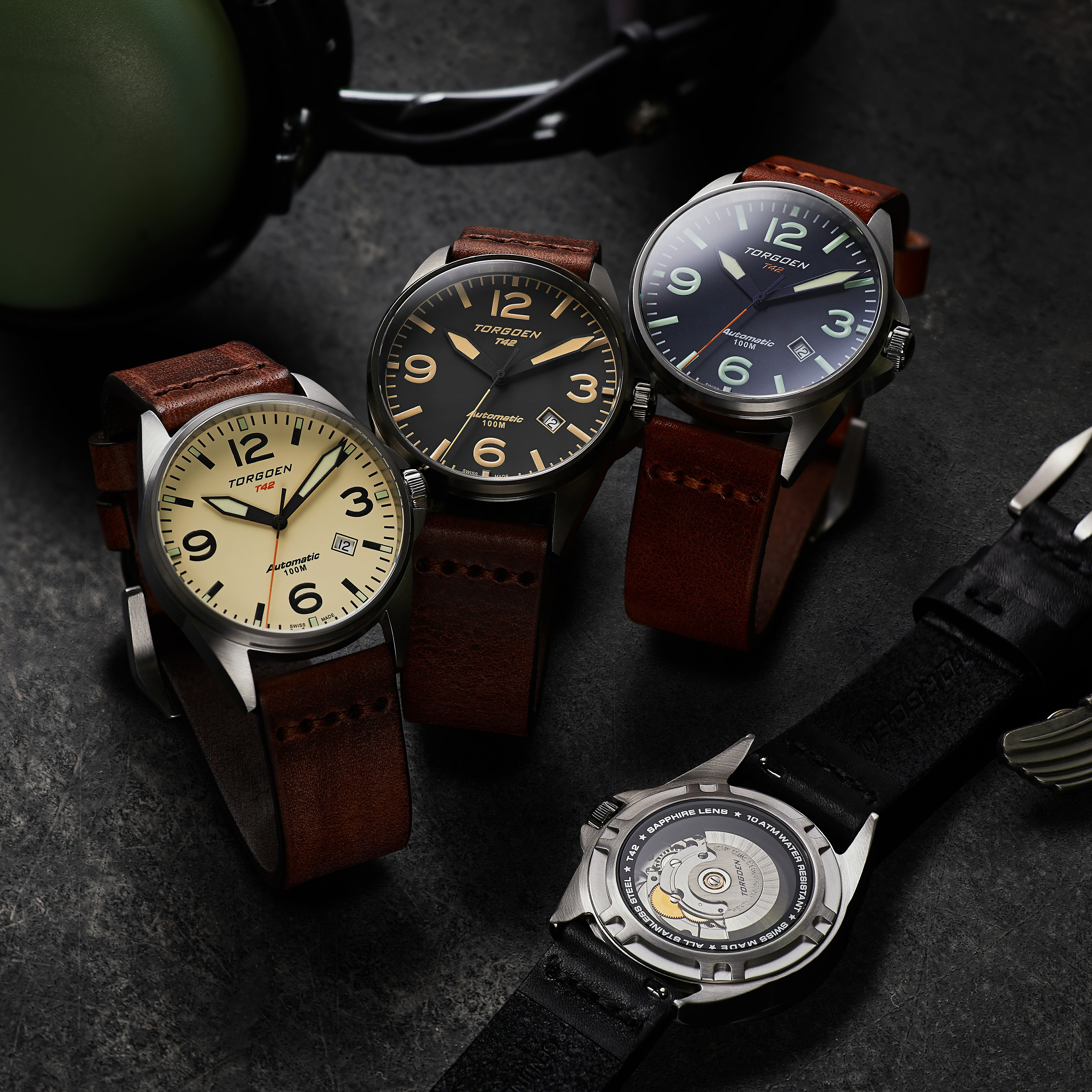 Available in four different colorways, the vintage-inspired design behind the T42 from Torgoen Watches is evident in the sophisticated color combinations on offer.