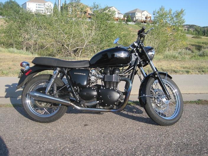 Name:  Triumph Bonneville - small.jpg Views: 192 Size:  242.8 KB