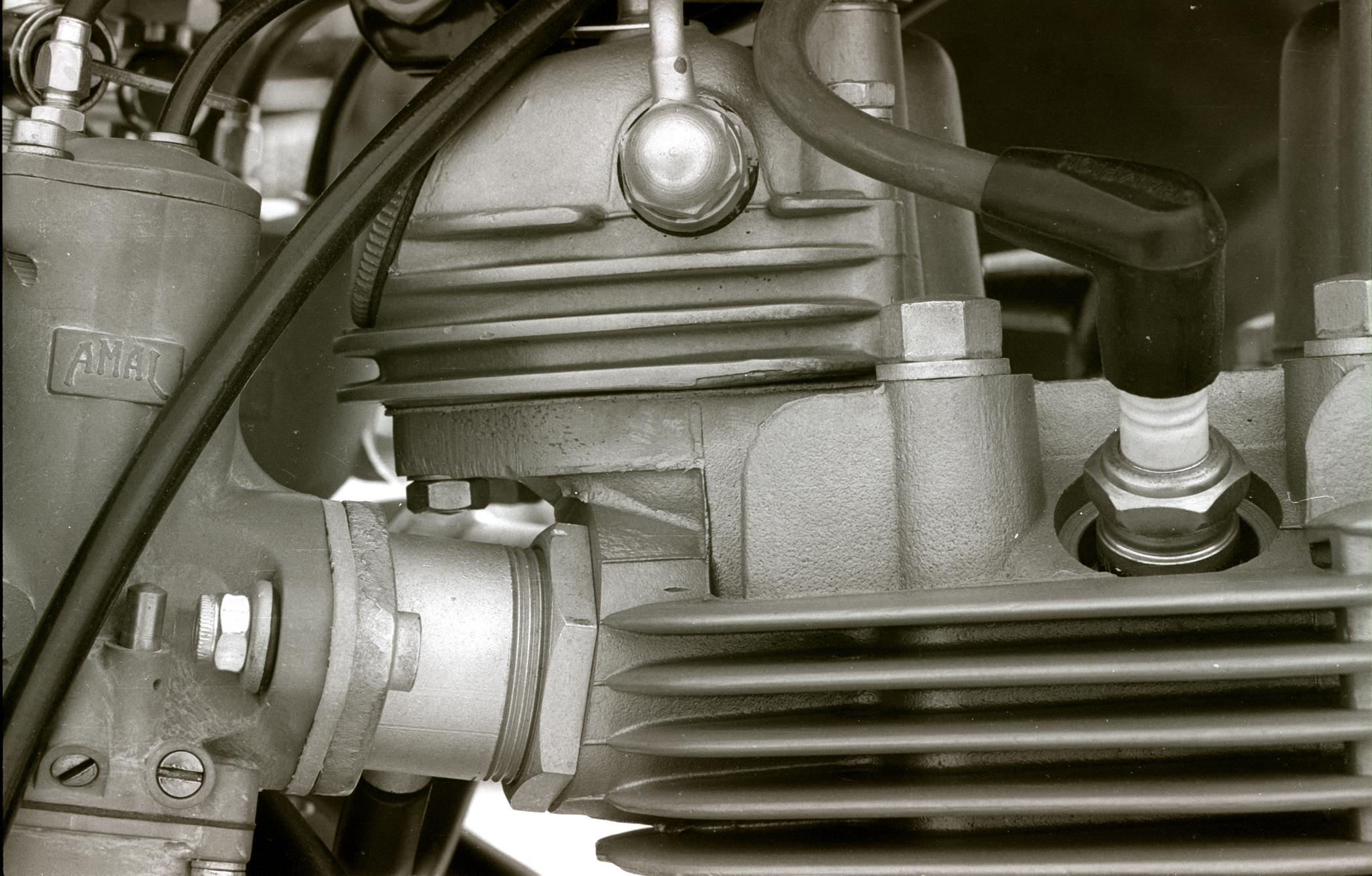 Name:  Triumph engine  copy.jpg Views: 14 Size:  3.38 MB