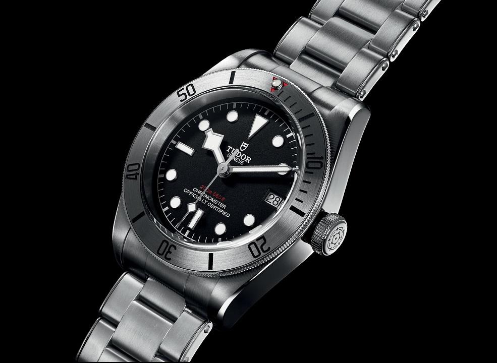 tudor-heritage-black-bay-steel-79730-date-tudor-black-bay-date-baselworld-2017-5