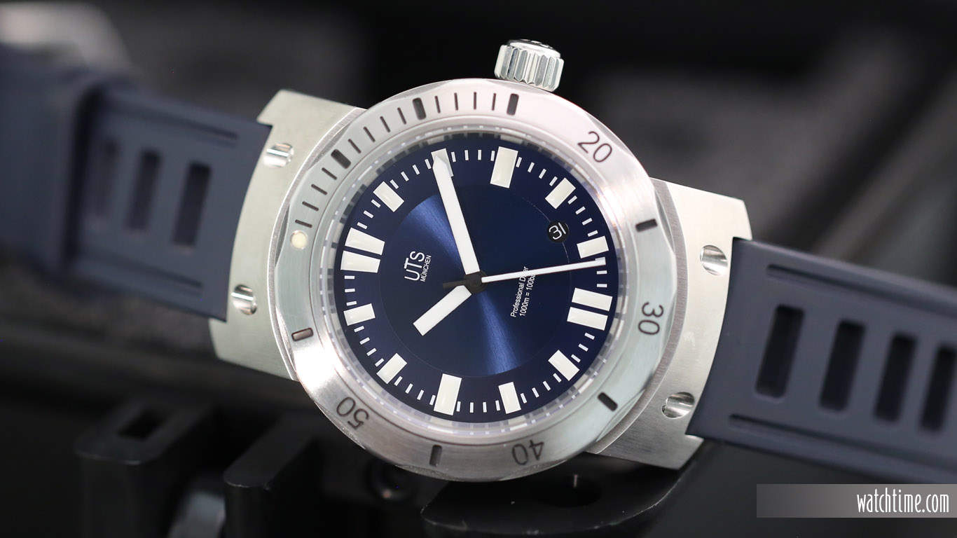 Name:  UTS_Muenchen_Diver_1000_Blue_Dial_Frontal.jpg
