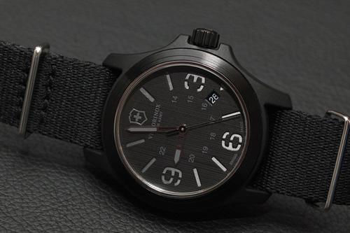 Name:  victorinox-swiss-army-original-watch-stencil-40-mm.jpg Views: 2972 Size:  60.0 KB