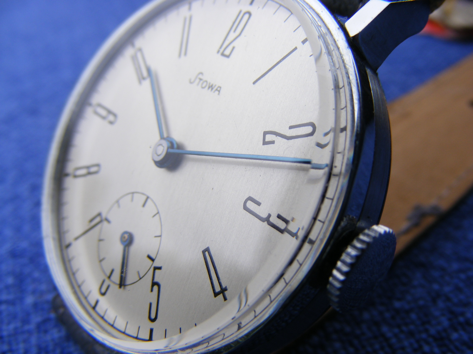 Name:  Vintage watches to be compared 008.JPG