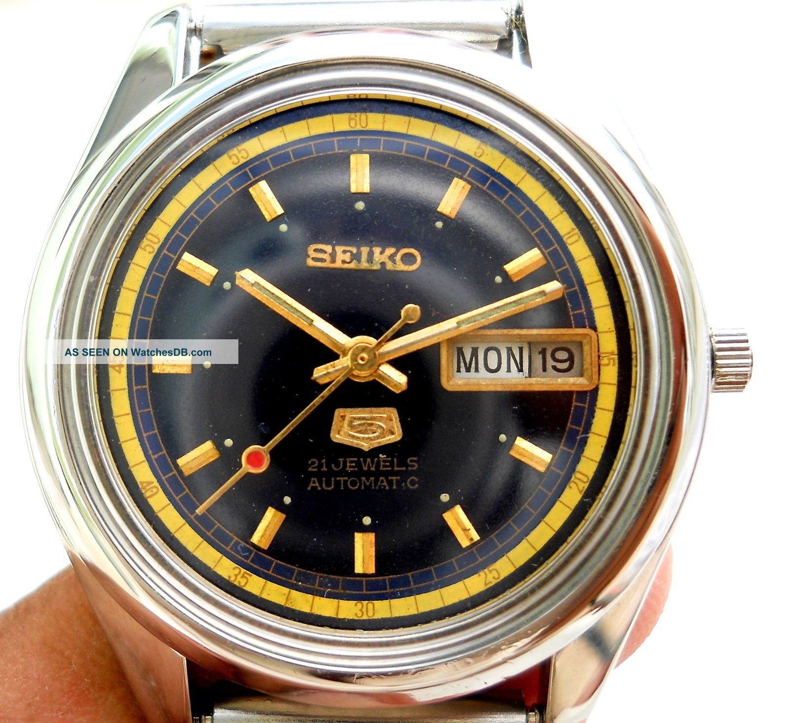Name:  vintage_japan_made_seiko_5__automatic_winding__blue_designer_day_date_mens_watch__1_lgw.jpg Views: 63 Size:  346.6 KB