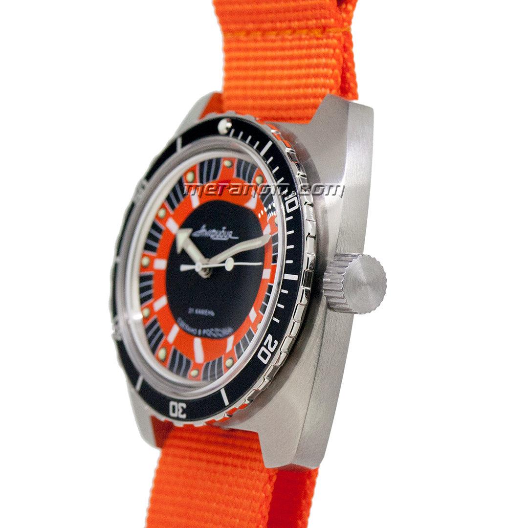 Name:  Vostok_Amphibia_SE_150_Orange_03-max-1200.jpg Views: 835 Size:  141.7 KB
