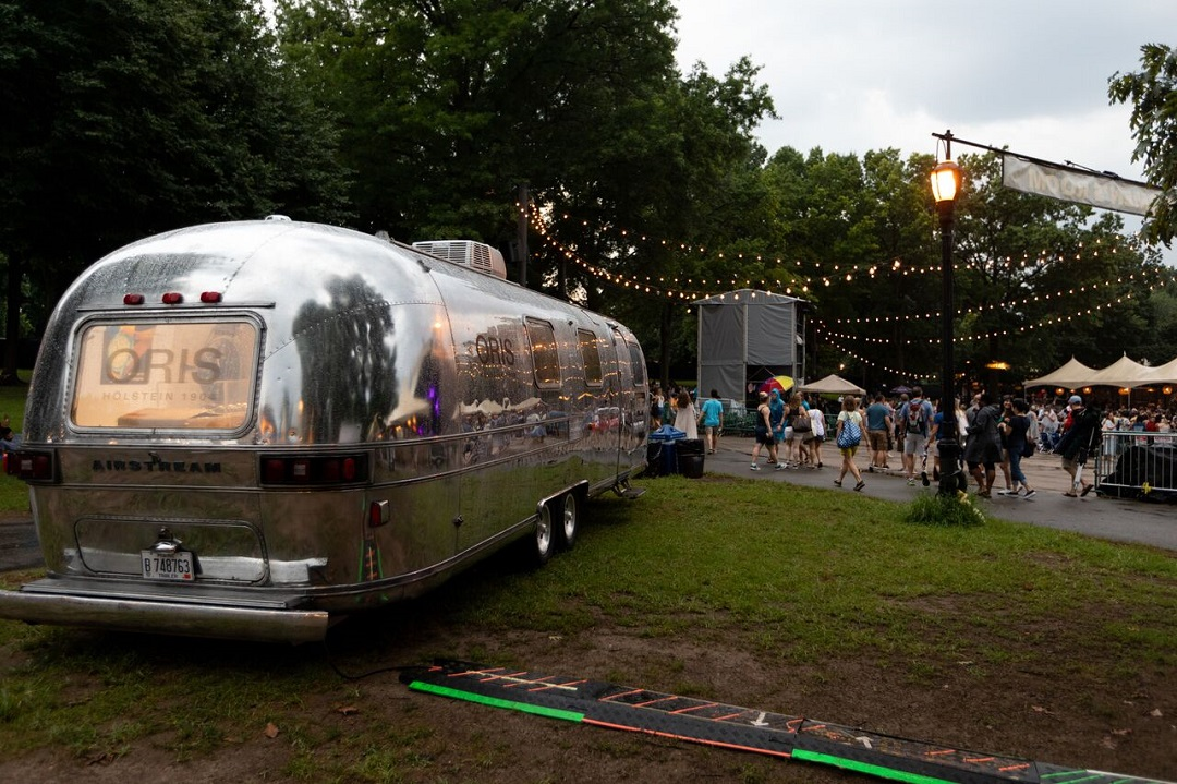 ORIS is hitting the road in the States starting this month in a vintage  Airstream trailer. The Airstream is Oris's first standalone concept in the  United ...
