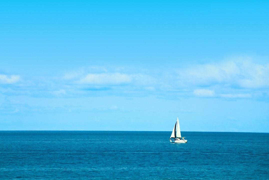 wallpapers-beach-images-urban-various-pixel-sailboat-white-sailboats-ocean-large-blue
