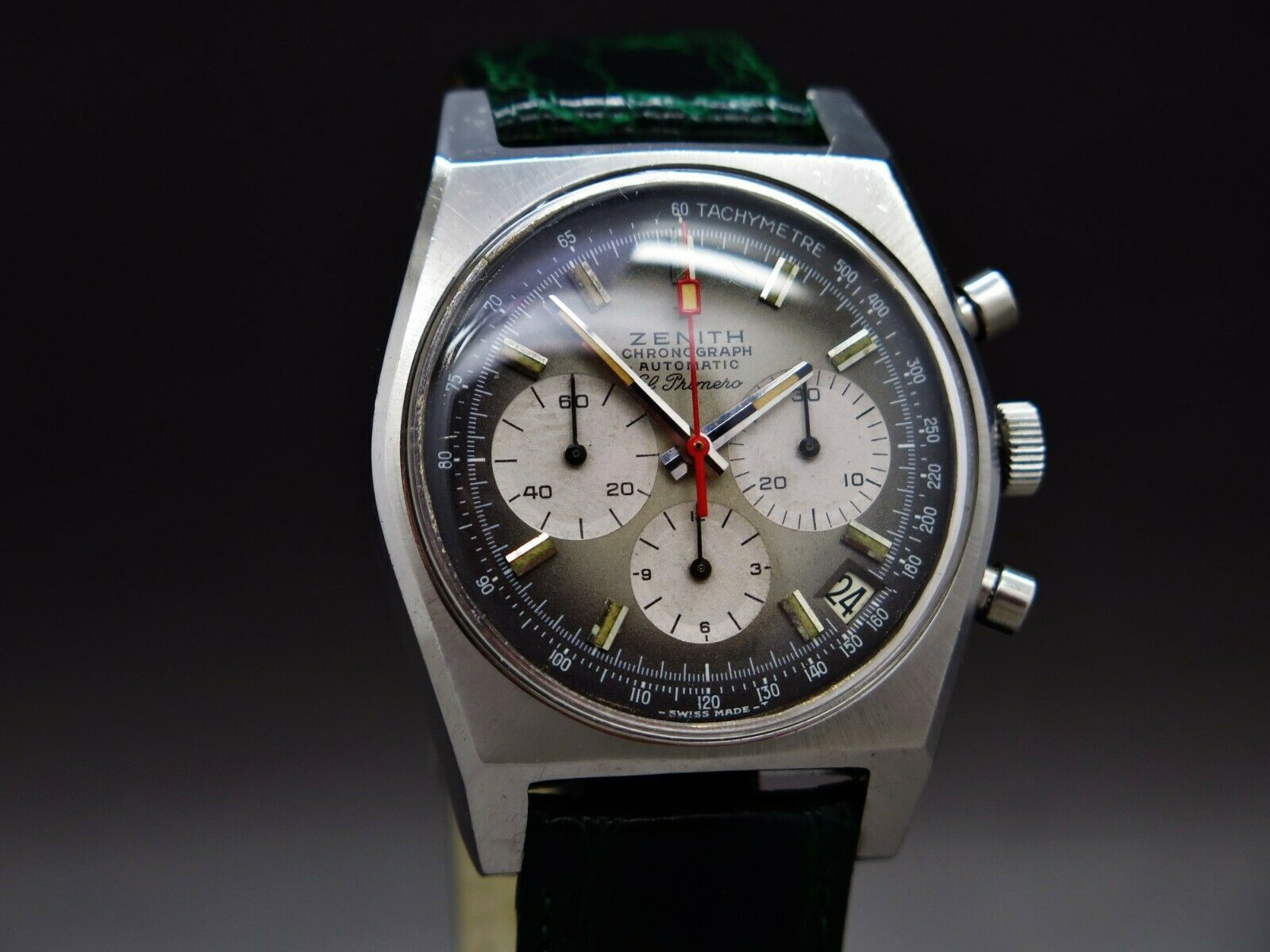 Name:  Watch 1 - front.jpg Views: 38 Size:  159.8 KB