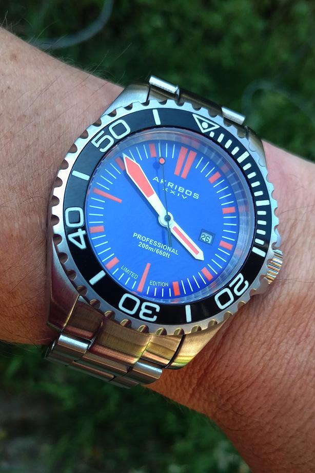 Name:  Watch-Akribos-1.jpg Views: 429 Size:  241.0 KB
