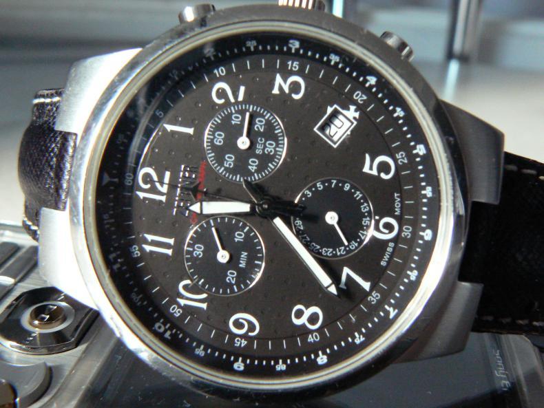 Часы breitling ab0110