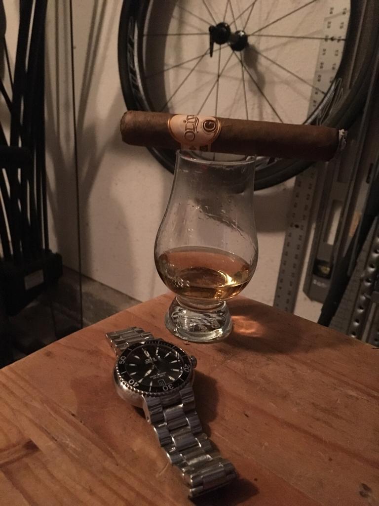 Name:  whiskeywatchcigar.jpg Views: 118 Size:  747.8 KB