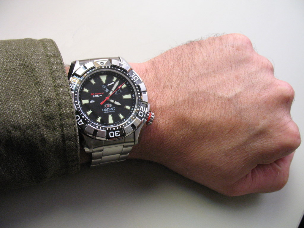494878d1313632870-orient-m-force-sel03002m-200m-diver-review-sort-pics-wrist-shot.jpg