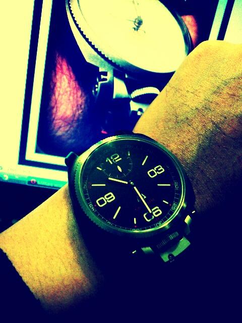 Name:  wristshot.jpg Views: 753 Size:  126.1 KB