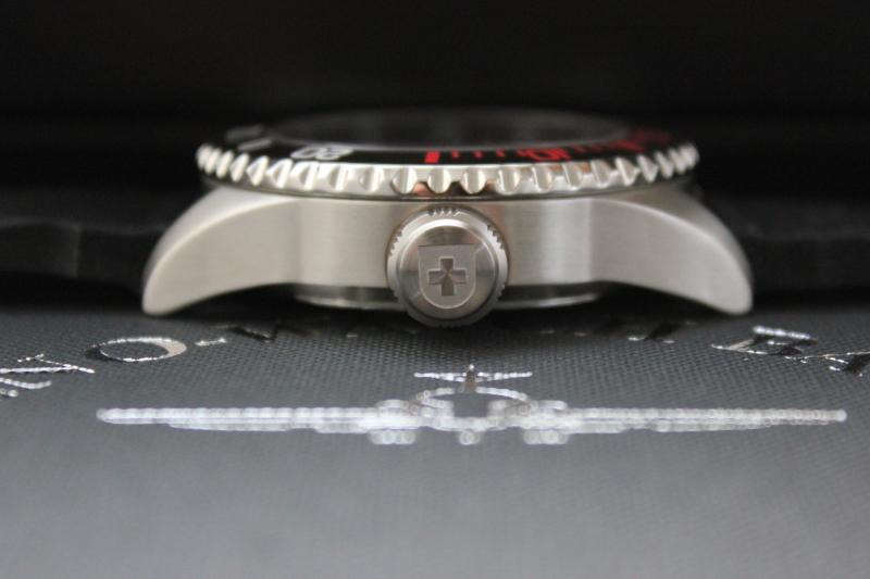 Name:  Zeno Watch Basel Ceramic Diver 6492- 2824-A1-7 on OEM rubber strap10.jpg Views: 55 Size:  30.5 KB