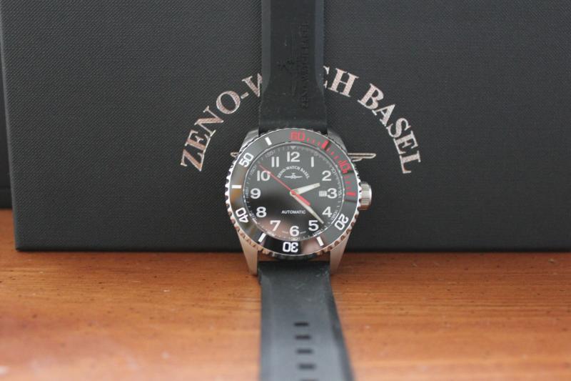 Name:  Zeno Watch Basel Ceramic Diver 6492- 2824-A1-7 on OEM rubber strap7.jpg Views: 58 Size:  43.5 KB
