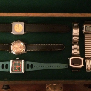 Watch Box 7 Drawer 6: mix Seiko 1970s auto Seiko Bellmatic Claro Beachstar Montre LCD MBO LCD Junghans manual Junghans manual